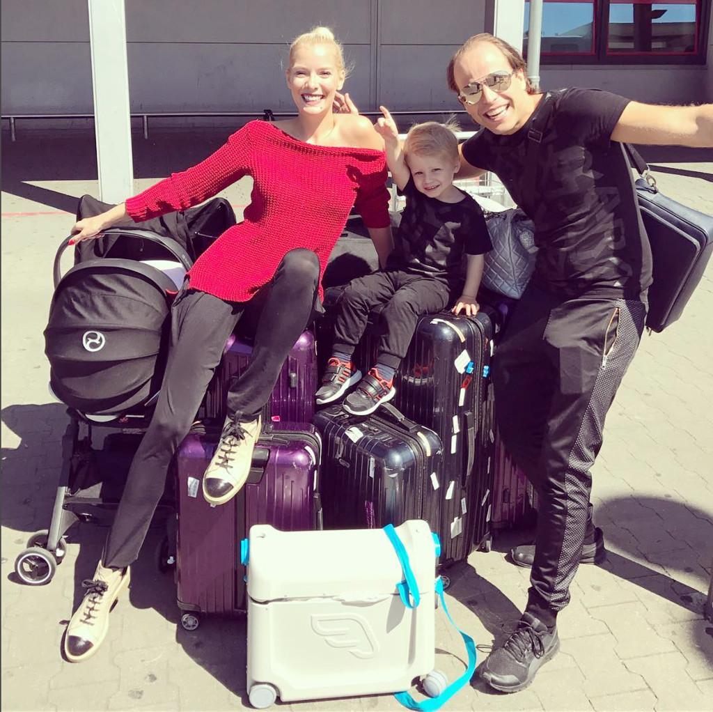 Oksana Kolenitchenko mit ihrer Familie kurz vor ihrer großen Amerika-Reise. (Screenshot von Oksanas Instagram-Account)