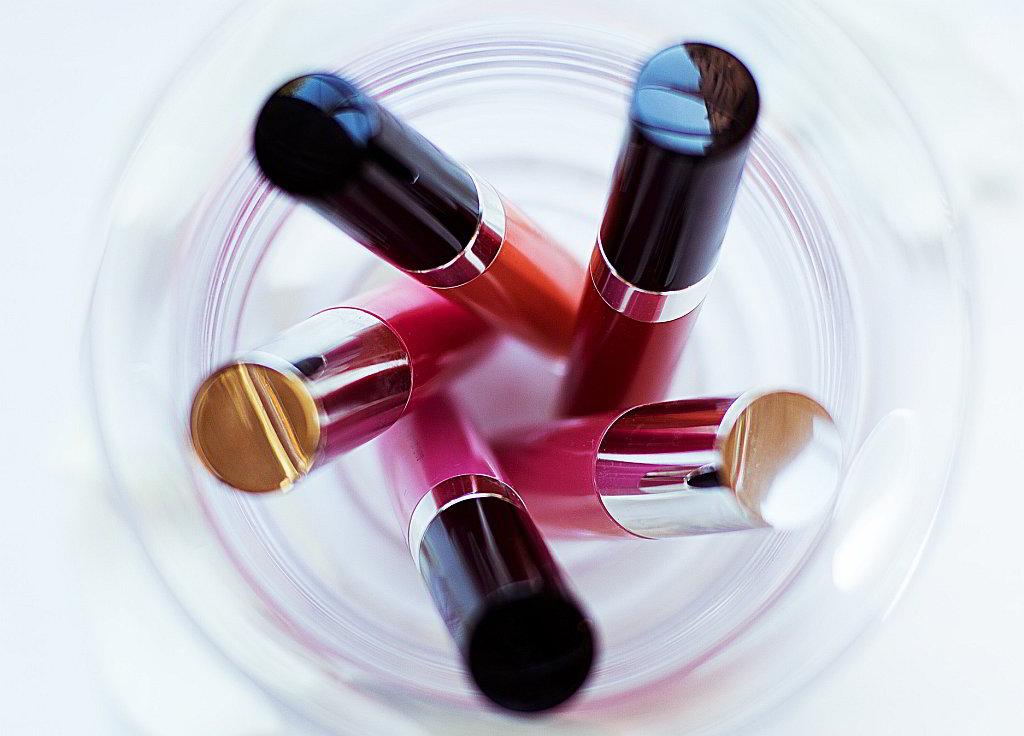 Bild Lippenstifte im Glas - EYVA Blog