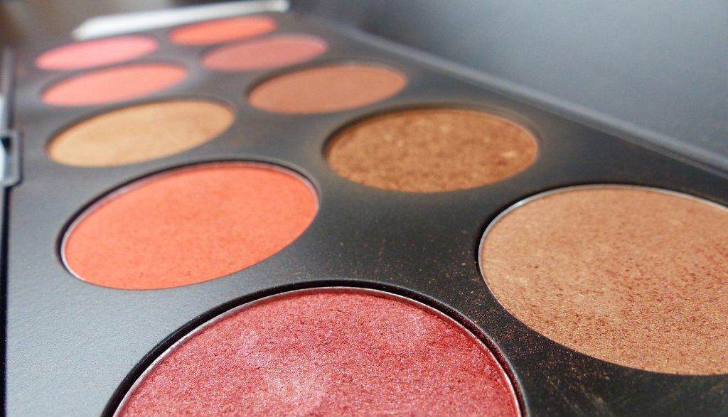 Kräftige Makeup-Farben - Beauty-Trends Herbst 2017 - EYVA Blog