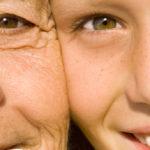 Hautalterung: Was passiert genau, was hilft?