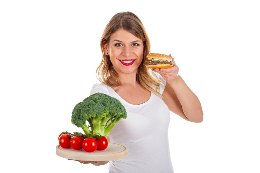 Kohlenhydrathaltige Lebensmittel verstärken Altersakne. Hohlenhydratarme hingegen führen zu einer Verbesserung des Hautbilds