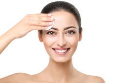 Richtig abschminken ist ungemein wichtig für die Haut © shutterstock.com