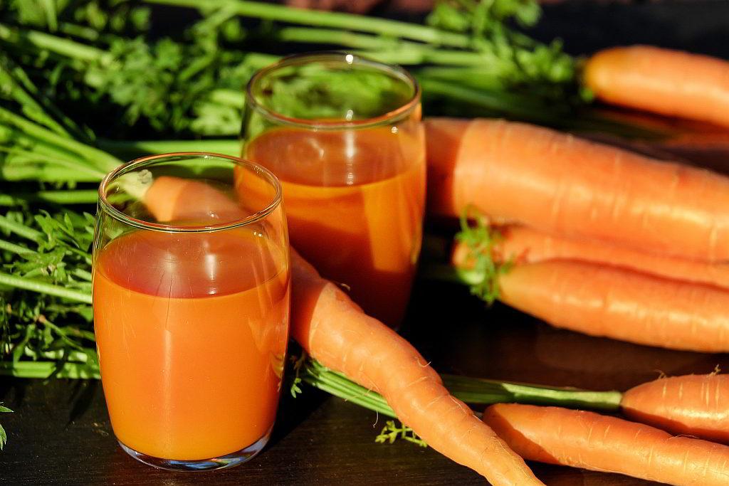 Bild Karotten und Karottensaft - EYVA Blog