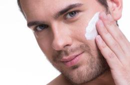 Gesichtspflege für Männer © shutterstock.com