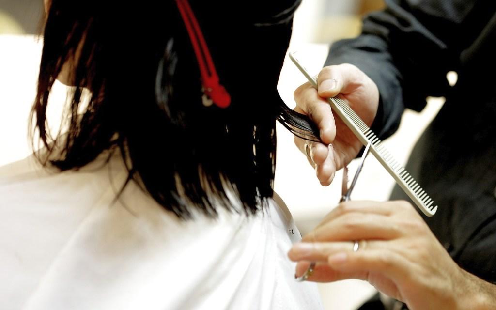 Bild Haarschnitt beim Friseur - EYVA Blog - Pixabay